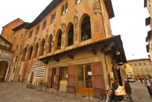 Pistoia: 2-Hour City Walking Tour