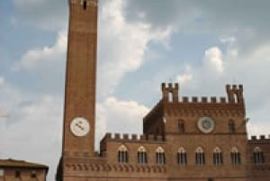 Siena San Gimignano Private Full-Day Tour by Deluxe Car