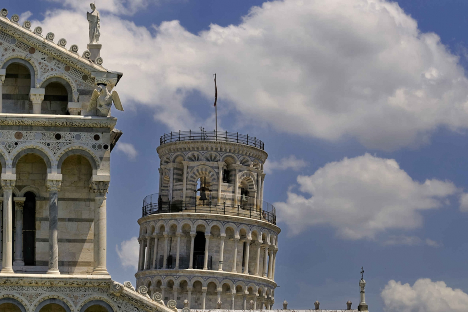 The Pisa Tower, Lucca & Wine Tour from Florence