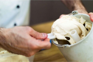 Traditional Ice-Cream Class in a Winery