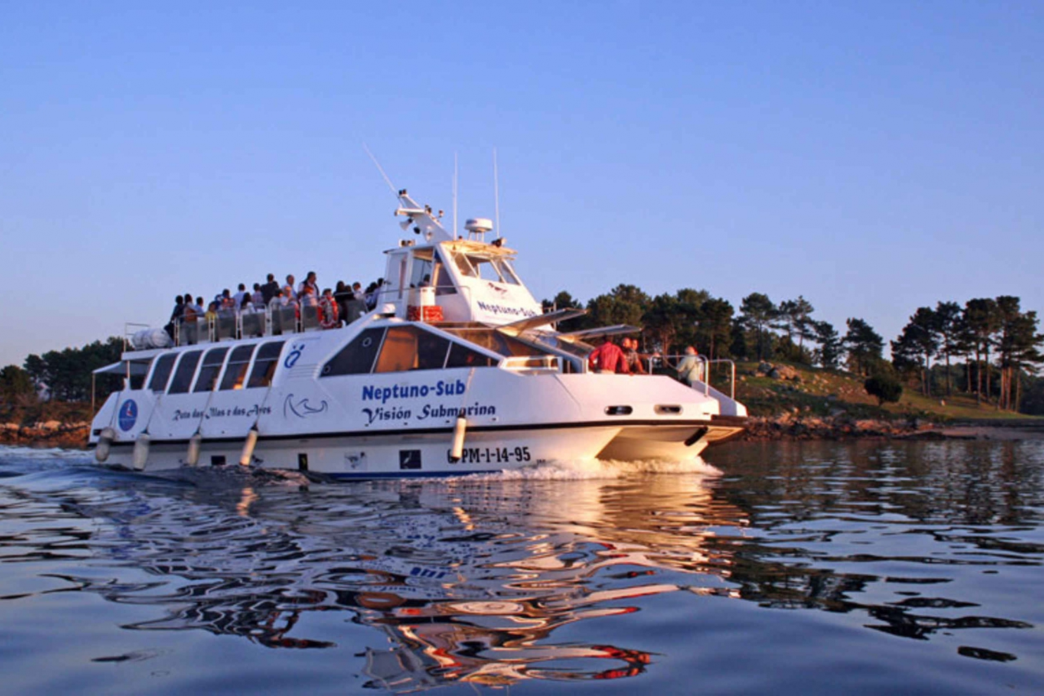 Full-Day Tour & Boat Trip to Rías Baixas from Santiago