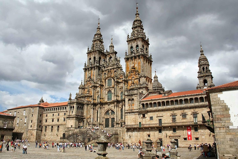 Private Car Tour Santiago de Compostela & Viana do Castelo