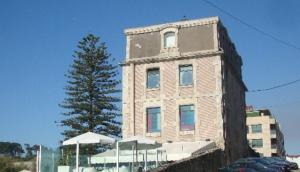 Villa Rosa Bayona (VRB)
