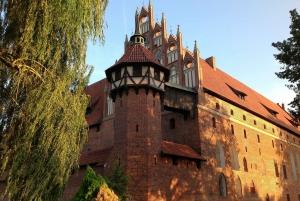 Malbork Castle: 6-Hour Private Tour to the Largest Castle