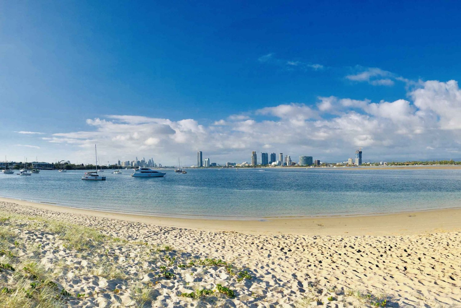 Surfers Paradise: Coastal Exploration Bus Tour with Q1 Tower