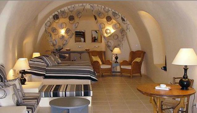 Oinotopos Wine Cellar & Accommodation