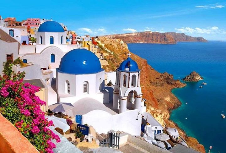 Illuminate your soul - a yoga journey to santorini, greece
