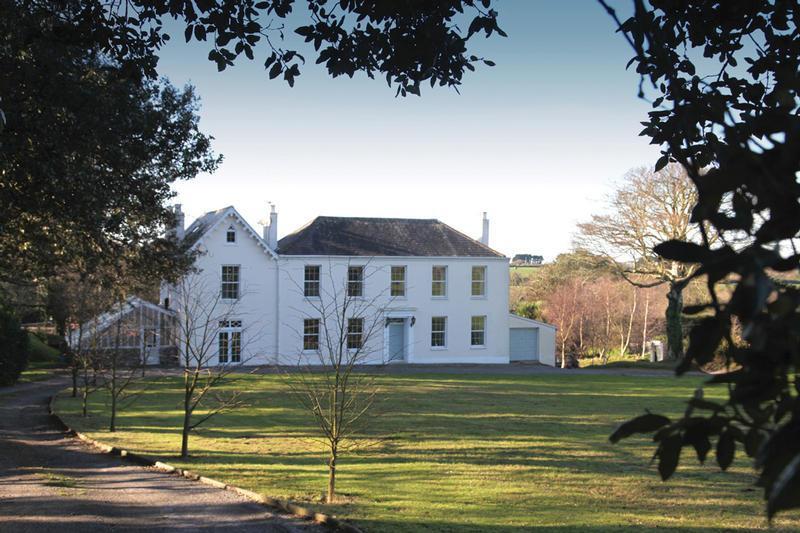 Livingroom Estate Agents In Guernsey