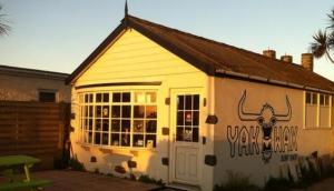 YakWax Surf Shop