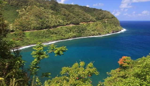A Meandering Drive in Maui