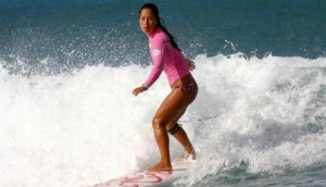 Girls Who Surf