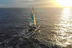 Kauai: Napali Coast Sunset Sail with Dinner