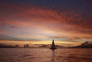 Maui: Deluxe Sunset Sail from Lahaina