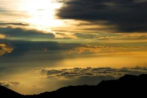 Maui: Sunrise & Breakfast Tour to Haleakala National Park