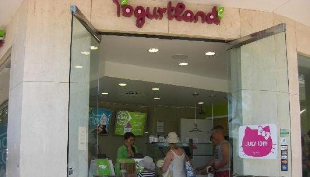 Yogurtland Waikiki Beach