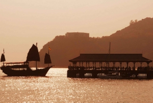 Cruise Tour to Stanley by Chinese Junk Boat