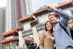 Hong Kong: Guided Tour of Wong Tai Sin Temple
