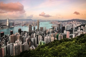 Hong Kong: Victoria Peak Private Evening Hike from Central