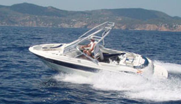 Maxum 1800 Speed Boat