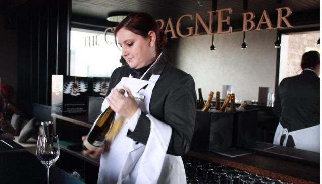 Champagne Bar Sankara Hotel