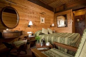 From Nairobi: Mount Kenya Overnight Safari