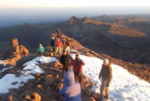 Mount 5-Day Hike Via Chogoria Route