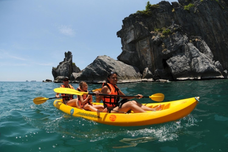 Ang Thong Marine Park: Full-Day Kayaking & Snorkeling Tour