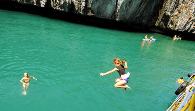 Blue Stars Kayaking & Snorkeling
