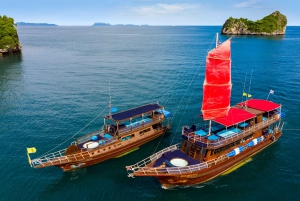 Island Hopping & Snorkeling with Pig Island Visit