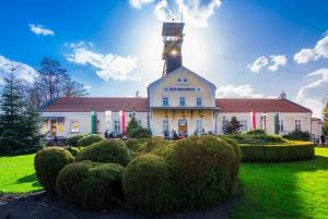 Day Tour to the Wieliczka Salt Mine and Wawel Hill