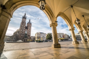 Guided Old Town and Jewish District Walking Tour