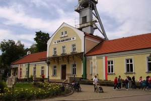 Krakow: 2-Day Auschwitz Museum and Salt Mine Guided Tour