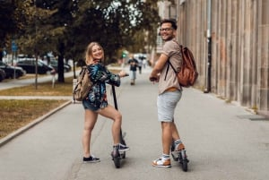 Krakow: Guided Sightseeing E-Scooter Tour with Food Tasting