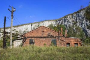 Krakow: Plaszow Concentration Camp Guided Tour