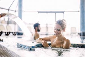 Krakow: Zakopane and Thermal Baths Private Tour