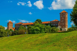 Wroclaw: Private Tour to Krakow with Transport and Guide