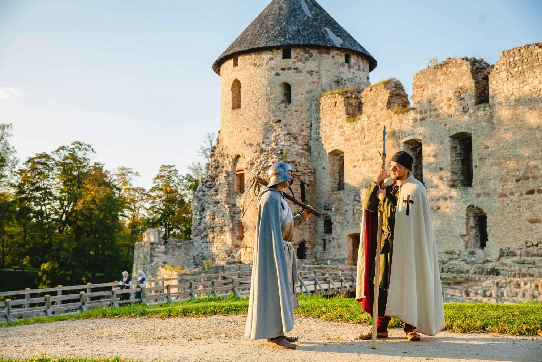 From Riga: Mini Baltic Day Tour to Sigulda, Ligatne & Cesis
