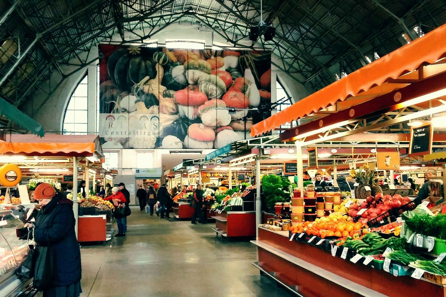 Riga: Food Tasting Tour of Central Market