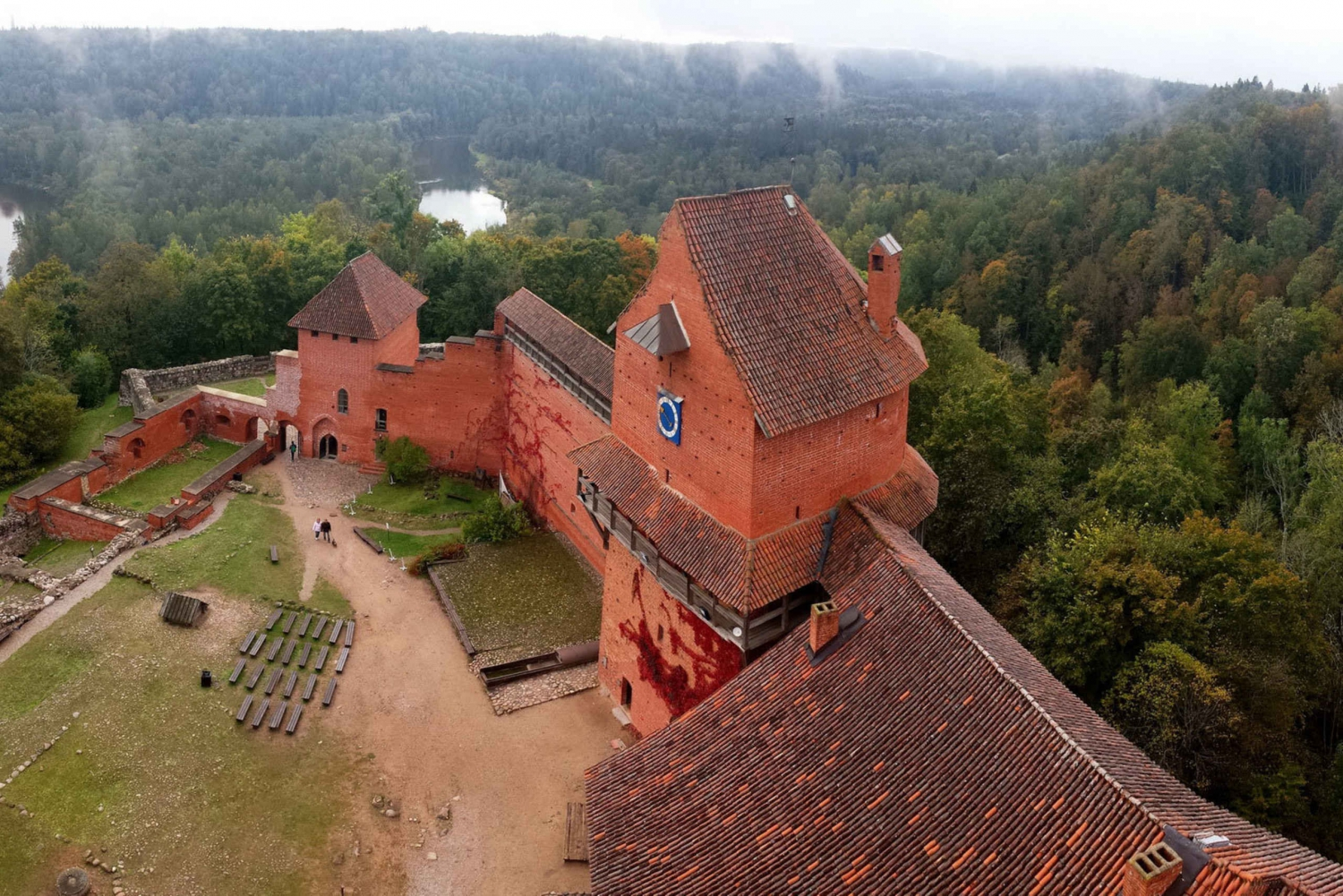 Riga: Full-Day Mini Day Tour to Sigulda & Cesis