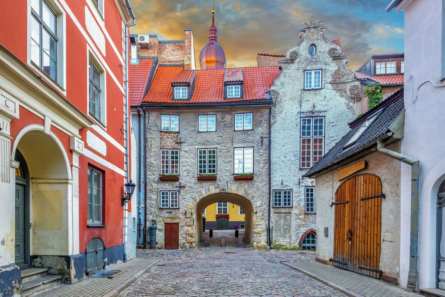 Riga Old Town: 2-Hour Private Walking Tour