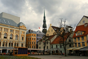 Riga: Old Town and Central Market Walking Tour