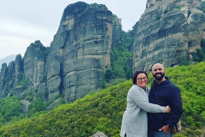 Athens: Meteora Independent Train Trip and Monastery Tour