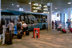 Barcelona: Aerobús Shuttle Between Airport and City Center