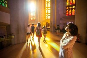 Barcelona: Sagrada Familia Fast-Track Ticket