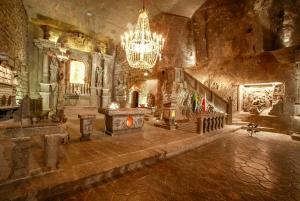 From Krakow: Wieliczka Salt Mine Guided Tour