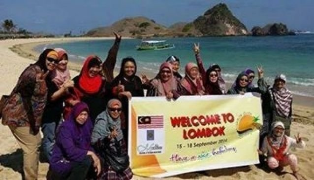 Lombok Click Holiday T & T