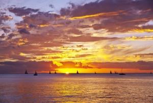 Oahu: Waikiki Sunset Cocktail Cruise