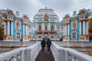 Pushkin: Catherine Palace and Gardens Guided Tour