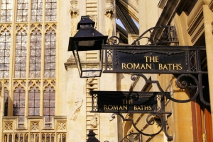 Boxing Day Tour: Windsor, Stonehenge & Bath with lunch