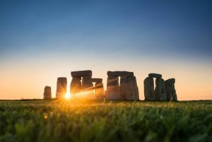 From London: Stonehenge and Bath Full-Day Tour